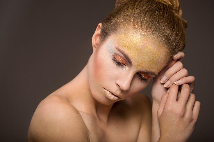 Model: Aleksandra Pieczek MUA: Anna Kantorczyk Assist: Anna Ignasik, Michał Chmielowski