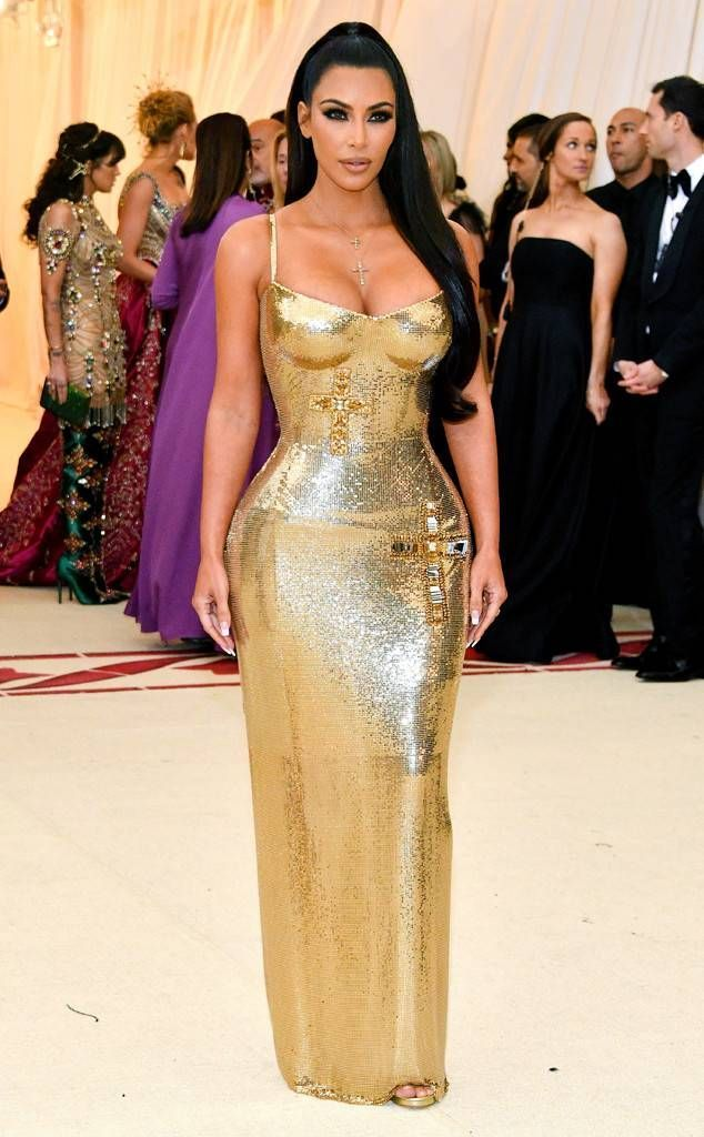5290e98a669 Kim Kardashian in Versace from 2018 Met Gala Red Carpet Fashion