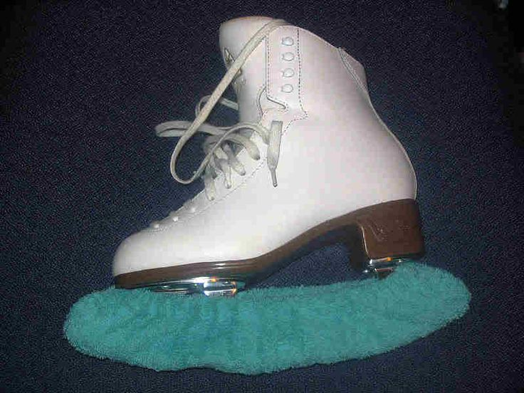 How-to: sew blade covers or soakers | Ice Mom's Adventures in Figure Skating