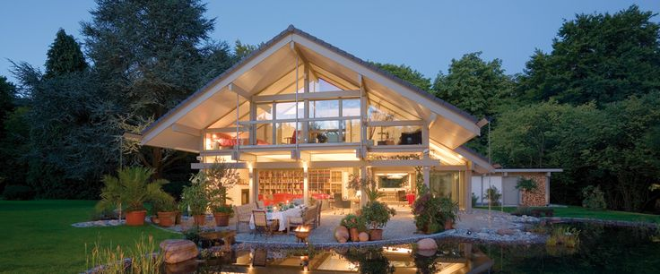 loooooooooooove huf houses!!!!  particularly the simpler ones.  Would be perfect overlooking the sea.