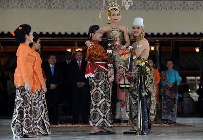 Paes Ageng Yogyakarta : Yogyanese Bridal Style