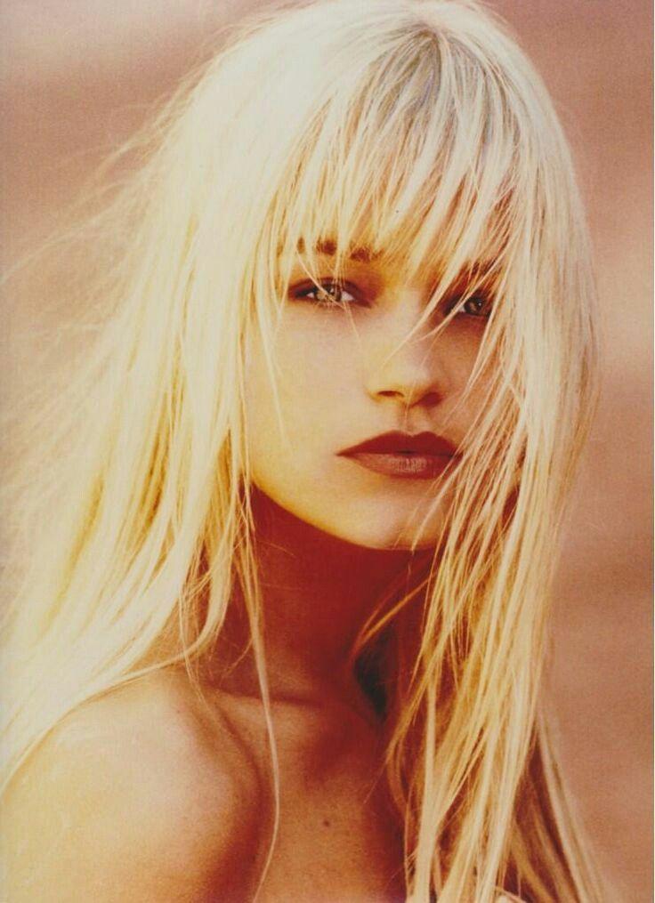 Yolanda Hadid - young - makeup