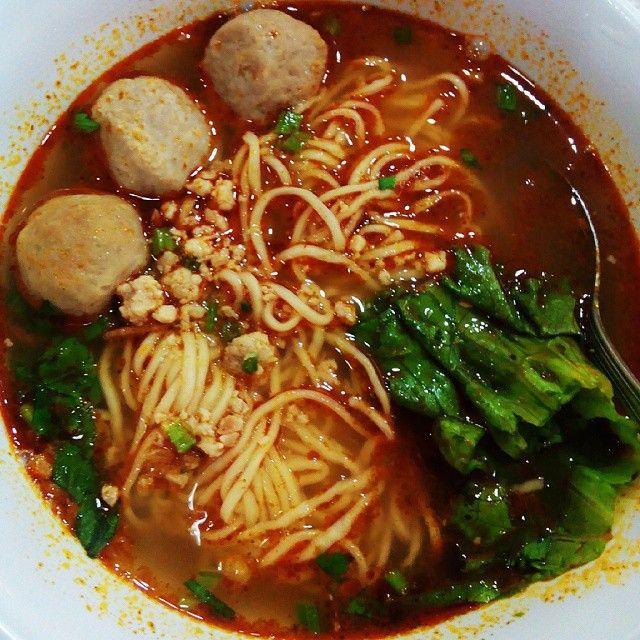 Mie Kuah Bakso rasa Tom Yum | hot and sour | Thailand