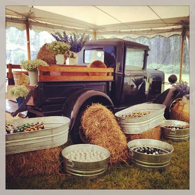 Sarah Worden Natural Design: Winvian Wedding - such a cute display with vintage truck and big drink buckets