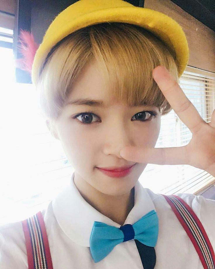 10 Best Jeongyeon Images On Pinterest Shorter Hair Kpop And Kpop Girls