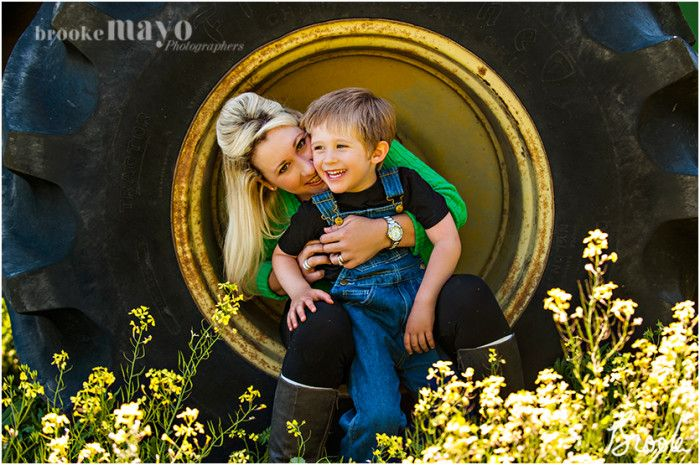 Spring Mini Sessions, mini session, spring, tractor, john deer, Currituck