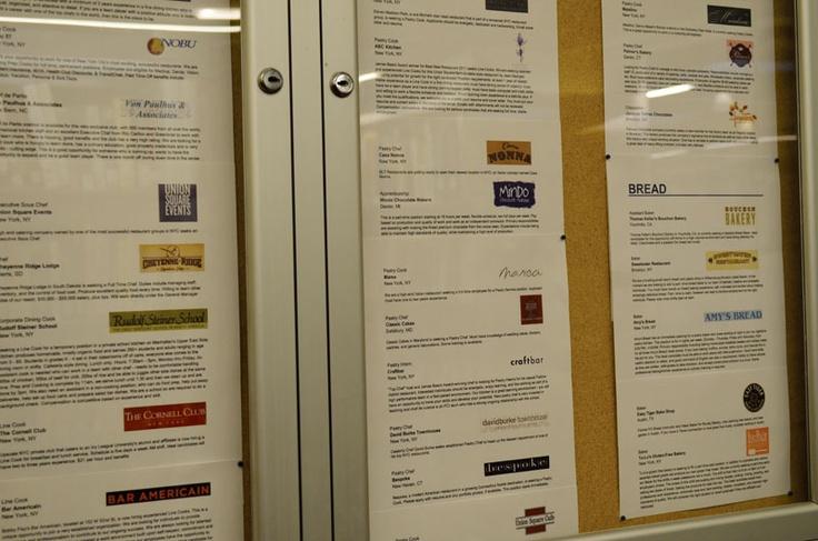 学校の掲示板には求人情報がズラリとならんでいます。ICCの詳しい情報はこちらから! http://www.ilisny.com/icc