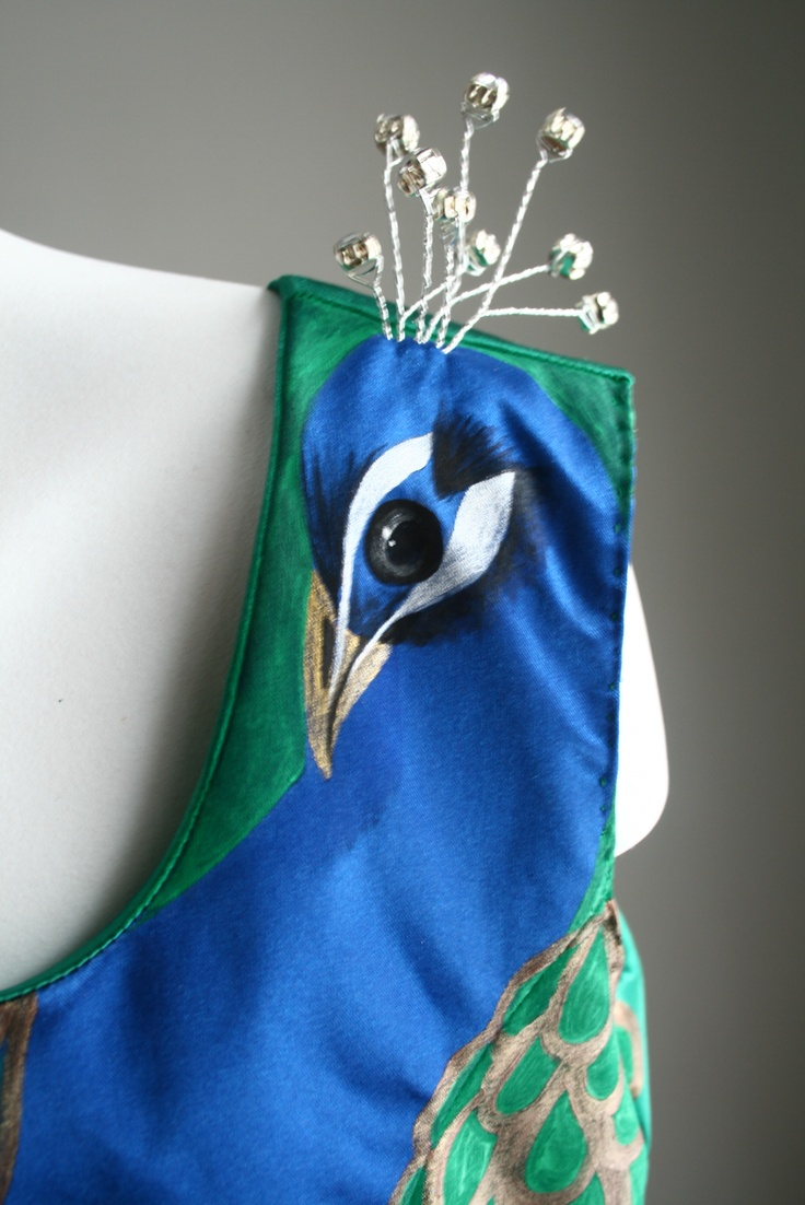 Peacock face and 3 dimensional crown