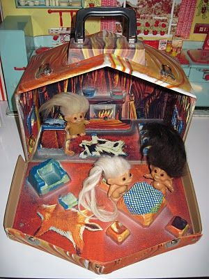 Tracy's Toys (and Some Other Stuff): 1960s Troll Cave House