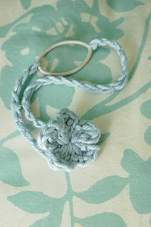 Free Good idea...to make crochet headbands stretchy.