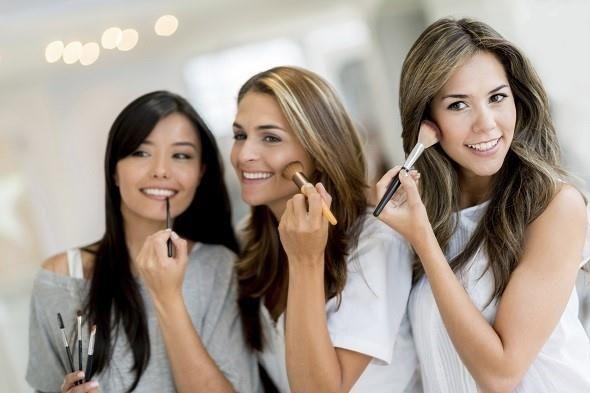 I 6 errori quando sei davanti allo specchio e ti trucchi