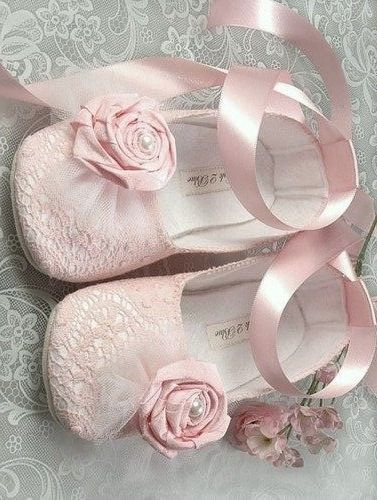 Party pink shoes for baby girl // Zapatitos rosa de fiesta para beba