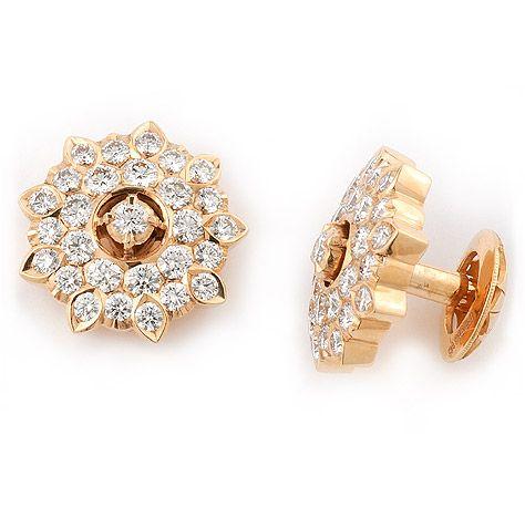 Close set.. moms diamond earstuds