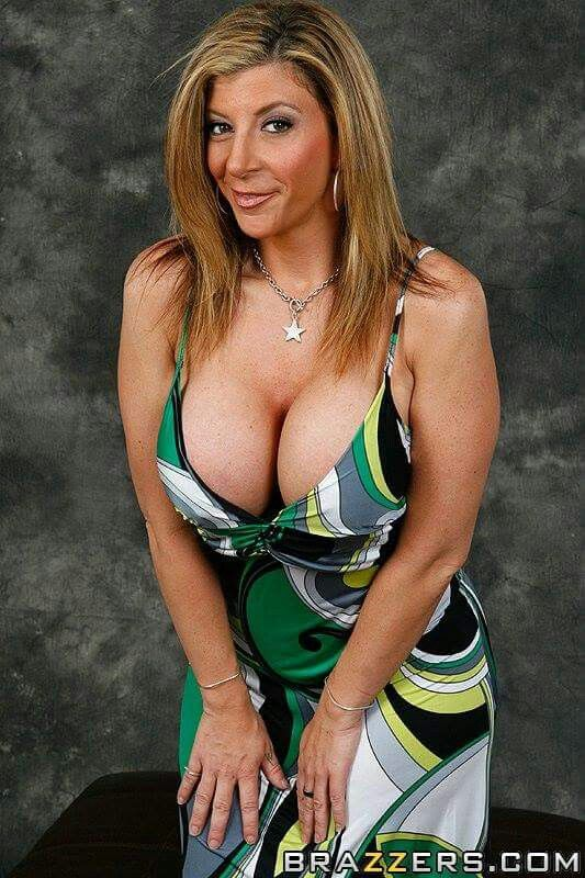 Sara jay pornstar milf