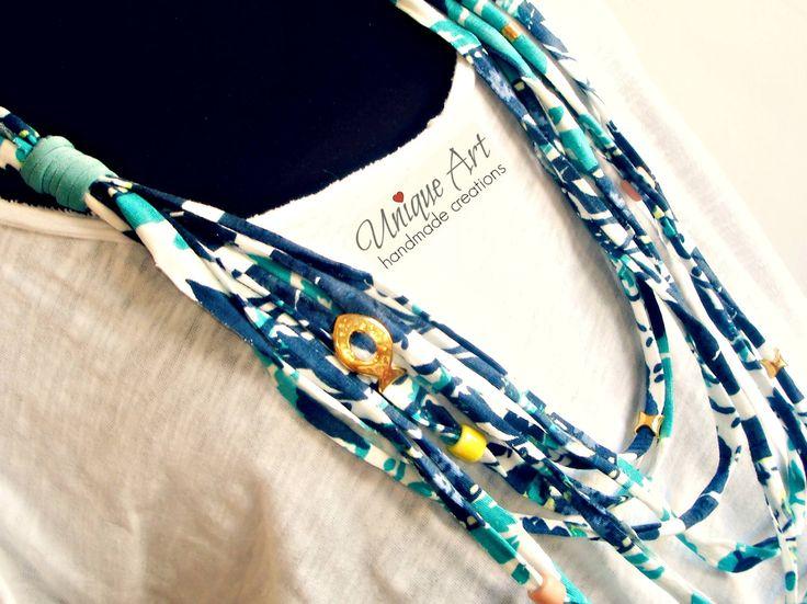 Κολιέ από ελαστική βαμβακολύκρα με floral μπλε-πετρόλ αποχρώσεις, λύκρα, επίχρυσα στοιχεία και κεραμικές χάντρες!   https://www.facebook.com/media/set/?set=a.377553319107146.1073741843.352268808302264&type=3