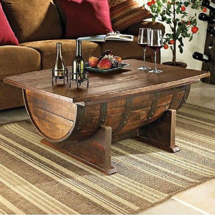 Стол, который выполнен из бочки что понравится и создаст интересный и нестандартный интерьер.