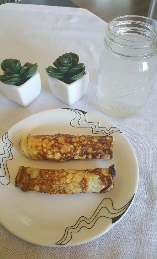 4dl fløte 2 egg  2ts smør 1ts bakepulver  4ts fiberhusk Smelt smør. Bland så alt...