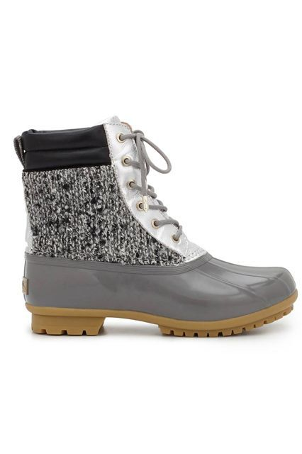14 adorable winter boots that can actually survive the show