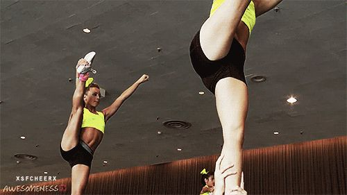 stretch to arabesque tick tock. s clean #gif #smoed