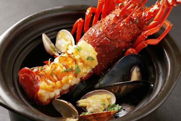 三重県のアンテナショップ「三重テラス」(東京・日本橋)のレストランで、10月1日の漁解禁を記念した「伊勢えびフェア」が開催される。
