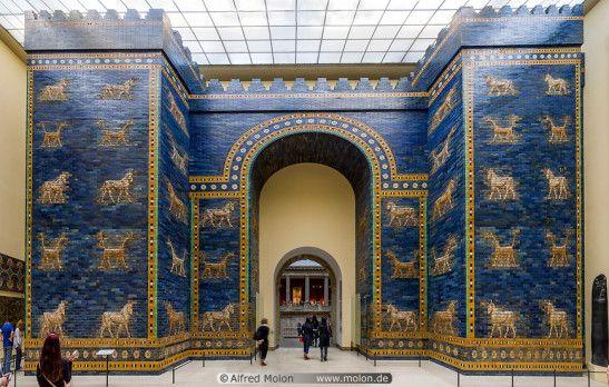 Reproducción de la Puerta de Ishtar (Babilonia) en el Museo de Berlín, Alemania.