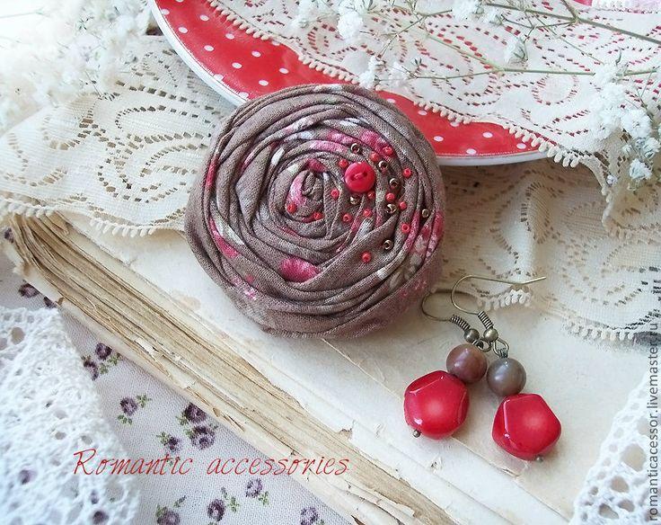 """Купить комплект """"вечерняя роза"""" - коричневый, красный, роза, брошь из ткани, брошь роза"""