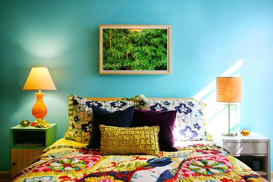 17 best ideas about bright colored bedrooms on pinterest 14656 | 027048083e87348d909b7b0d2f99df56