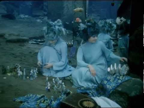 Malá Morská Víla (The Little Mermaid; Die kleine Meer Jungfrau; de kleine zeemeermin) w Eng Sub (1976) - YouTube; Tjech movie for children from the seventies.