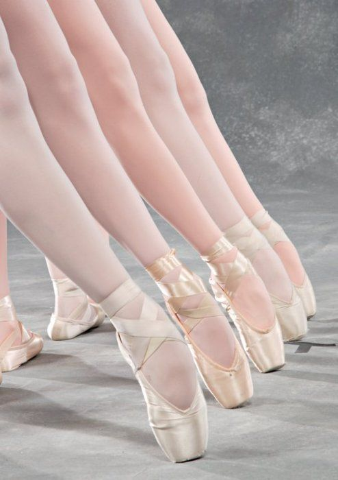 I want pointe shoes so bad! I will do everything and anything I can, to be able to dance in these! :)