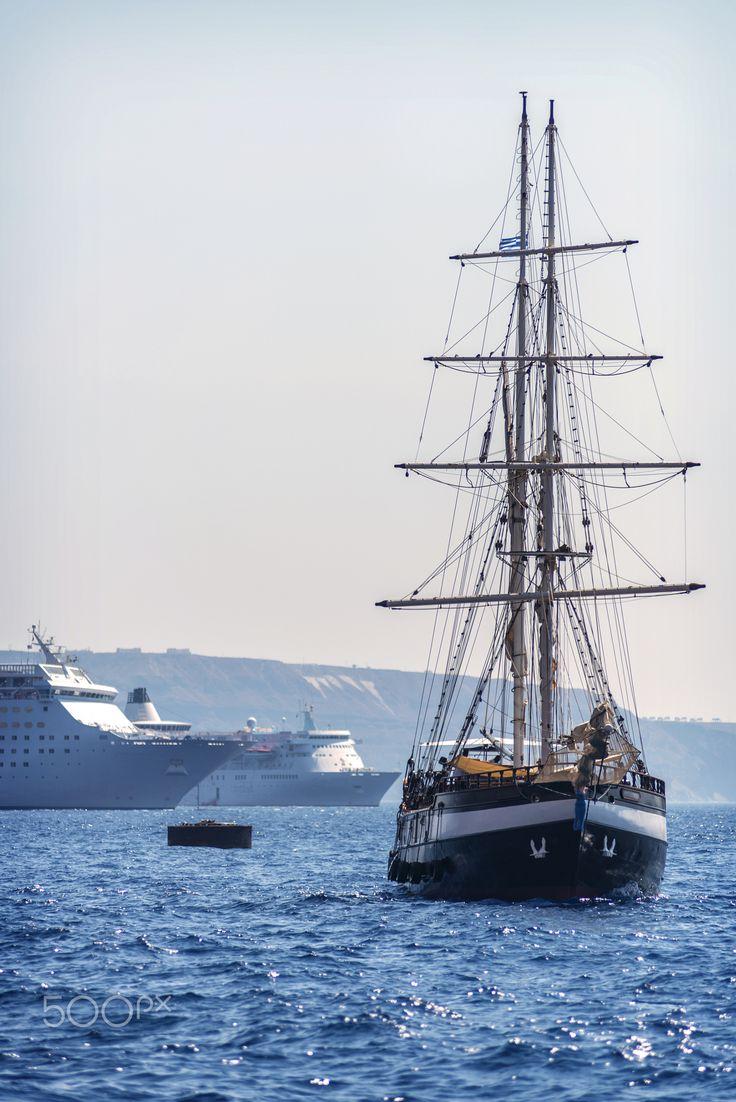 Ships & boats, Santorini island, Greece. - Selected by www.oiamansion.com in Santorini.