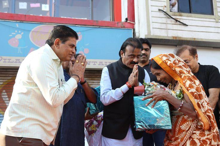 માનનીય મેયર શ્રી ગૌતમ શાહ Gautam Shah દ્વારા ખાડીયા વોર્ડમાં લેવામાં આવેલ સ્વચ્છતા રાઉન્ડ   #CleanAhmedabad  #Ahmedabad  Ahmedabad, India  AMC-Ahmedabad Municipal Corporation