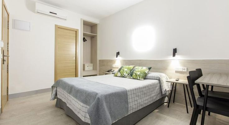 Iberia.com: Guest house Hostal Castilla II Puerta del Sol , Madrid, Spain - 196 Guest reviews . Book your hotel now!