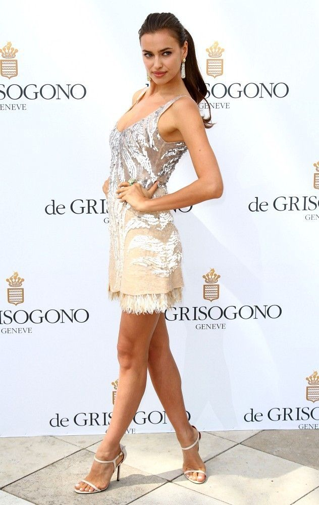 Irena Shayk poses at a photocall to promote de Grisogono luxury jewelry line during the 65th Annual Cannes Film Festival on May 22, 2012.