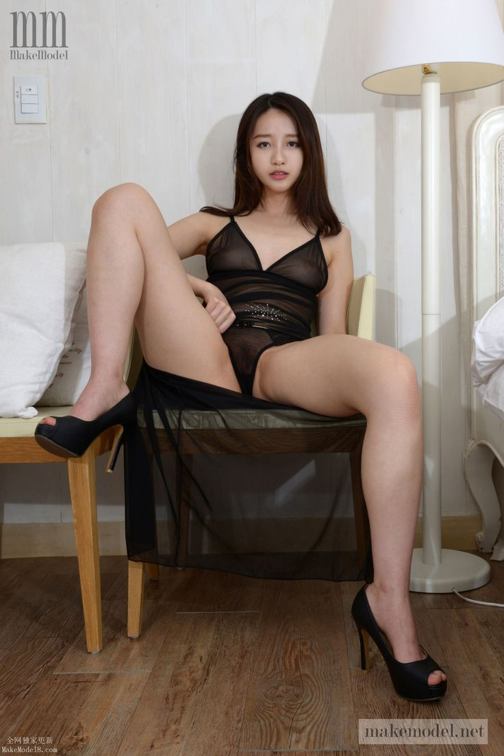 young hot naked slut pics