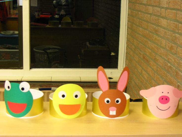 Ukkie-pukkie-mini verjaardagskronen in thema Kikker en zijn vriendjes, maskers