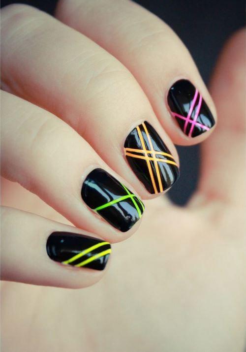 maravillosos diseños de uñas decoradas con cintillas - Nail with Tape