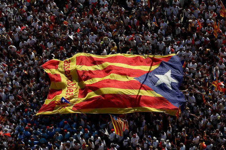 Cataluña hacia la independencia enterrando al franquismo - proceso.com.mx