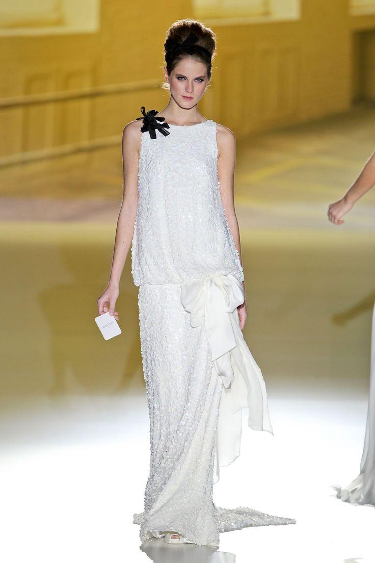 Suknie ślubne Jesús Peirówiosna 2014, fot. Imaxtree