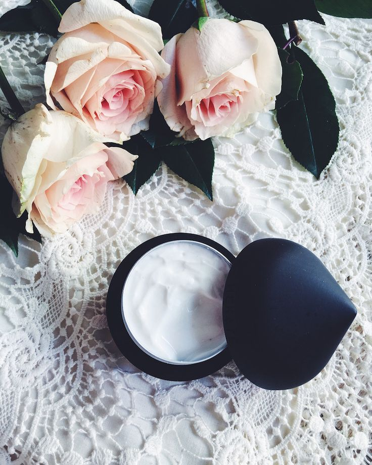 Yours first personalized cream.. What would you like by your cream? With Hekatè, you can decide!  Chiara chose her cream  #roses #skin #care #beauty #routine #personalized #cream  Ph. Chiara Dal Ben