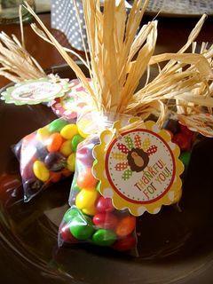 Recuerditos de Thanksgiving para que les des a tus invitados: Caramelos de otoño