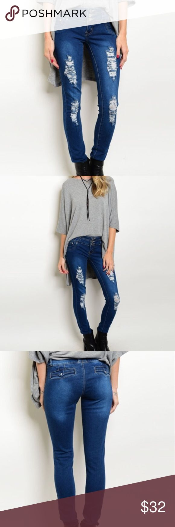Perfect Dark Blue Skinny Jeans Style staple for your Fall/Winter closet.  Skinny jeans in dark blue denim.  Material:  88% Cotton 9% Polyester 3% Spandex. Para Jeans