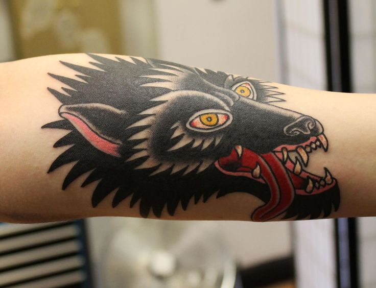 Outstanding Traditional Wolf Tattoo 4552 - Inspirational Tattoos