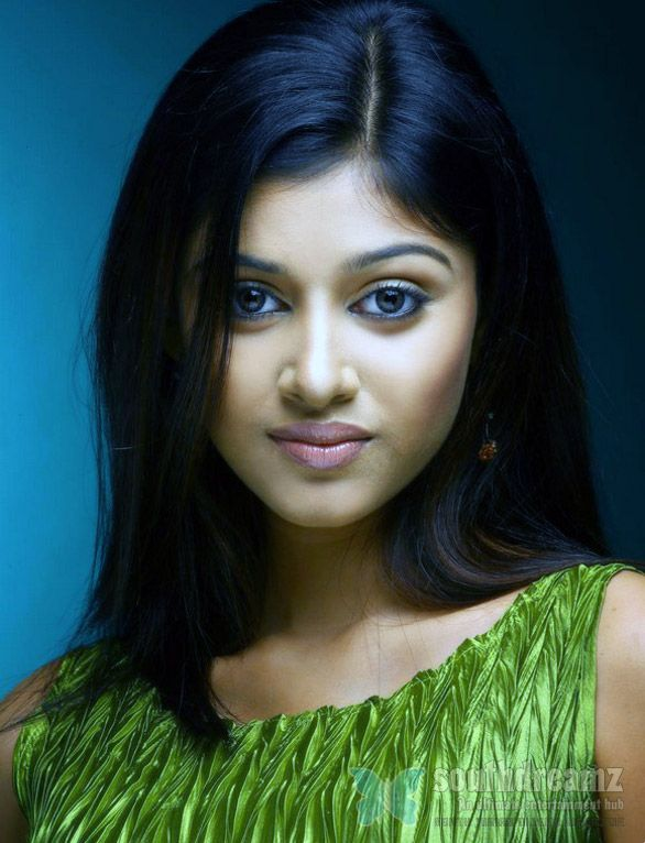 Oviya to do lead role in Vengai film