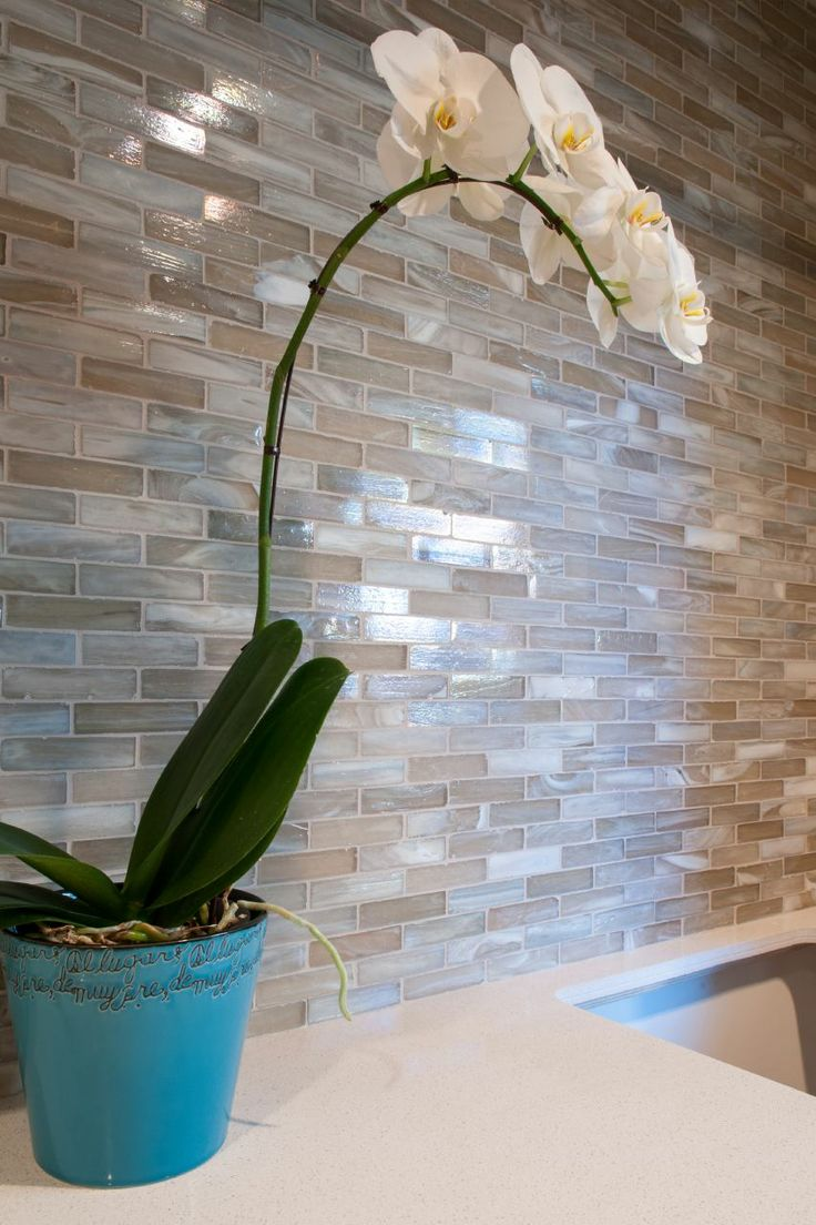 Best 10 Glass tile backsplash ideas on Pinterest Glass subway