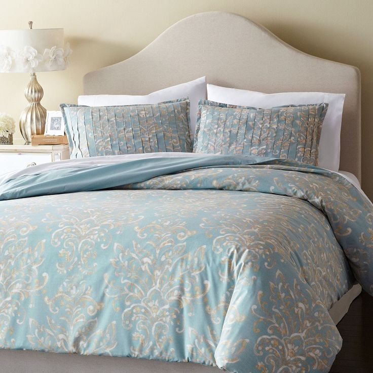 muted damask on comfortable 200 thread count