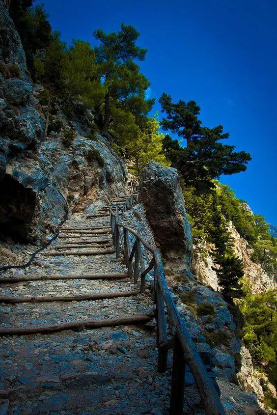 The Samaria Gorge CHANIA CRETE Το Φαράγγι Σαμαριάς ΧΑΝΙΑ ΚΡΗΤΗ