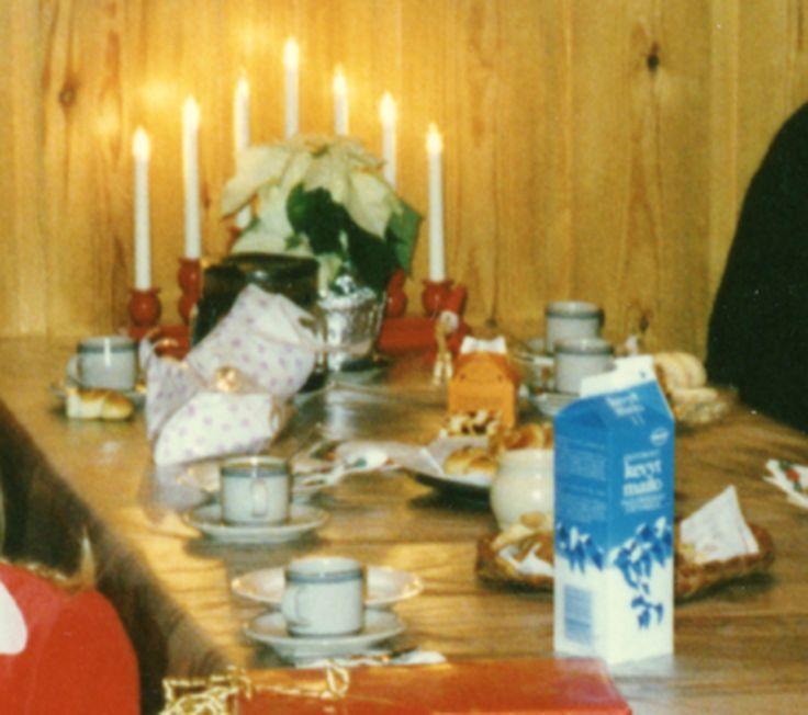 Jouluaaton kahvit 1980-luvun lopulta. #kadonnutkasari #kasari