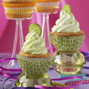 Gin & Tonic Cupcakes Recipe (gin in the mascarpone cheese/whipping cream frosting)