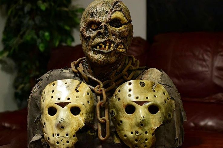 Rare SSN 'Friday The 13th Part 7' Jason Voorhees Bust | Friday The 13th: The Film Franchise