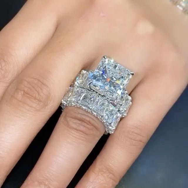 Marry Me Rings On Instagram Diamond Weights Ring Pristine Jewelers Instajewelry In 2020 Big Wedding Rings Wedding Rings Dream Engagement Rings
